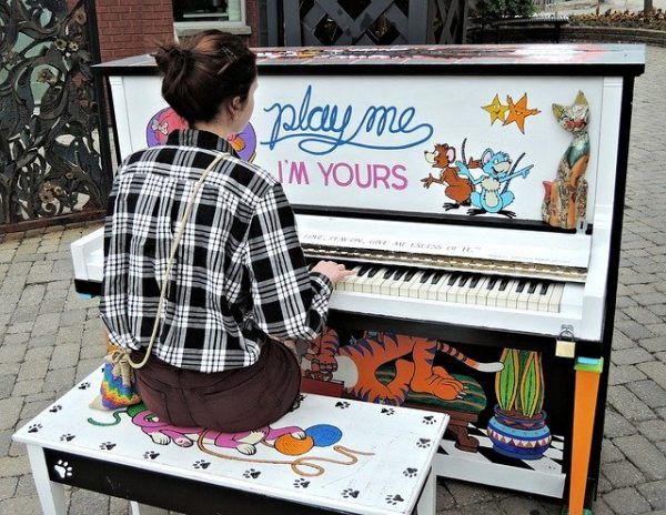 pianist-908030_640